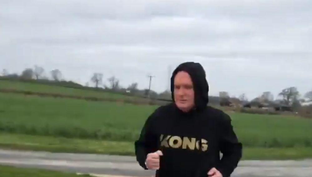 Paul Gascoigne, corriendo