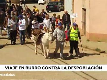 El alcalde de un pueblo de Soria irá en burra desde su pueblo hasta a Calatayud para denunciar la falta de medios de transporte