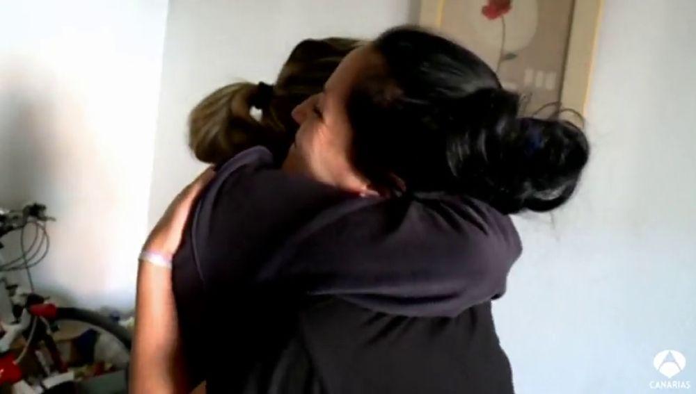 Aplazan un mes el desahucio de Nereida y Natalia