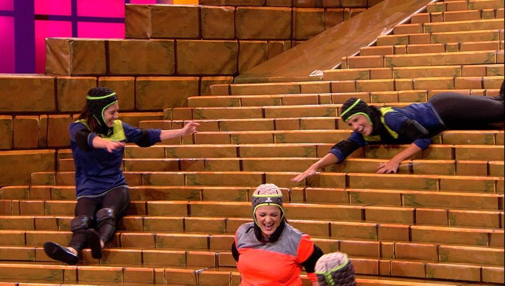 Los concursantes acaban agotados y mareados tras darlo todo en 'Atrapa la silla'