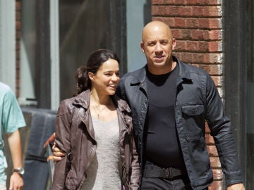 Vin Diesel y Michelle Rodriguez en el rodaje de 'Fast and Furious 8'