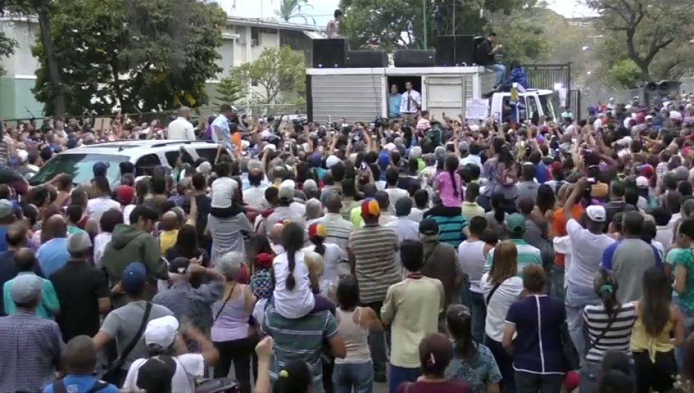 Guaidó llama a los venezolanos a salir a protestar contra los apagones en Venezuela