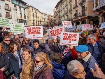 Noticias de la mañana (01-04-19)  La 'España vaciada' se traslada al centro de Madrid para exigir más inversión en el mundo rural.