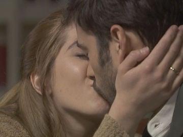 Julieta y Saúl recuperan la pasión más enamorados que nunca