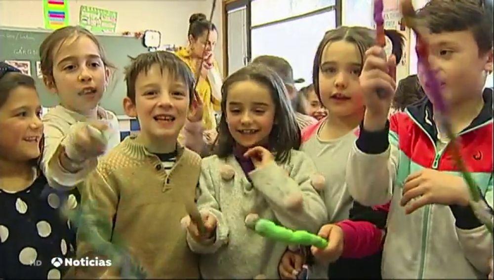 Un colegio se inspira en 'Harry Potter' para crear su propia escuela de magia y enseñar a sus alumnos a través de hechizos y pociones