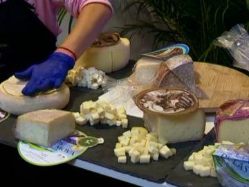 Sopa, buñuelos...chefs con estrella descubren el queso canario