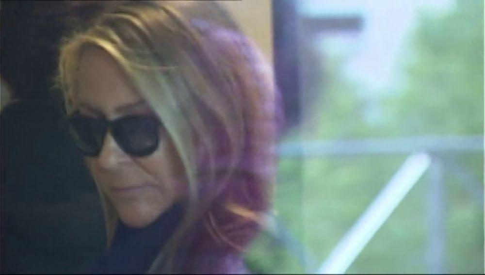 La viuda de Cela se sienta en el banquillo acusada de malversación