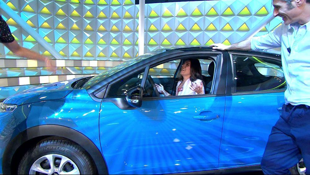 ¡Lorena se lleva el coche de 'La ruleta de la suerte'!