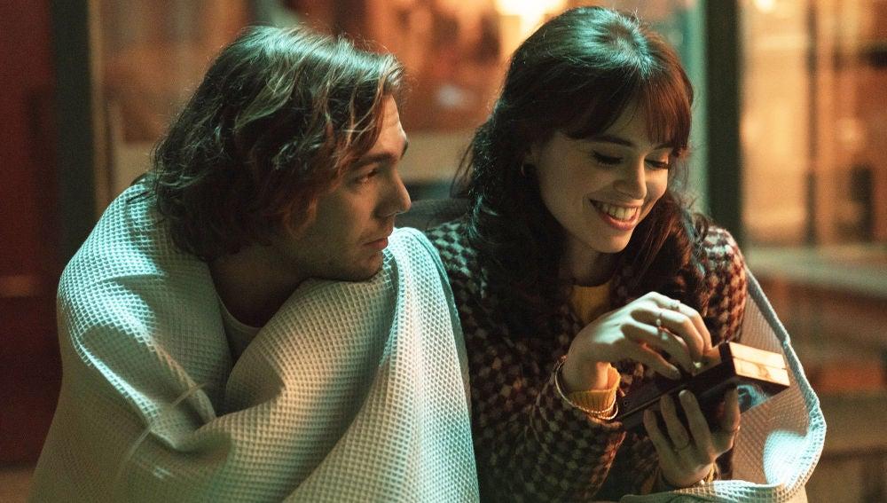 Una conversación íntima entre Robert y Maribel les acerca cada vez más