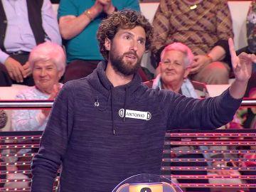 Antonio, el concursante con los huevos XL en '¡Ahora Caigo!'
