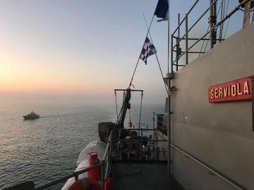 El patrullero 'Serviola' libera un buque nigeriano en manos de piratas en el Golfo de Guinea