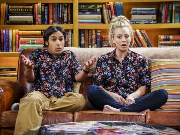 Kaley Cuoco y Kunal Nayyar son Penny y Raj en 'The Big Bang Thoery'