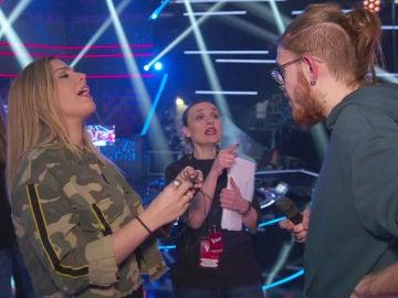 Miriam Rodríguez tranquiliza a Andrés Martín antes de ensayar 'Sin miedo a nada', su tema para la Final de 'La Voz'