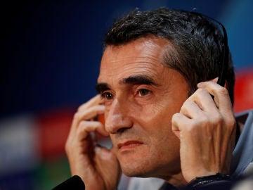 Ernesto Valverde, en rueda de prensa en Old Trafford