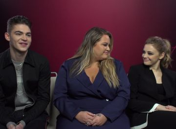 Hero Fiennes, Anna Todd y Josephine Langford de 'After'