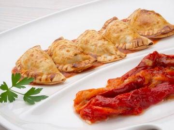Empanadillas de bonito, tomate y huevo