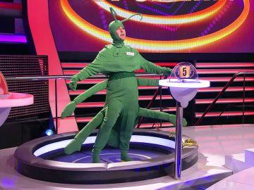 Martita se transforma una mantis devoradora de rivales en '¡Ahora caigo!'