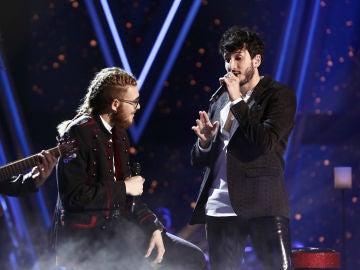 Sebastián Yatra y Andrés Martín cantan 'Un año' en la Final de 'La Voz'