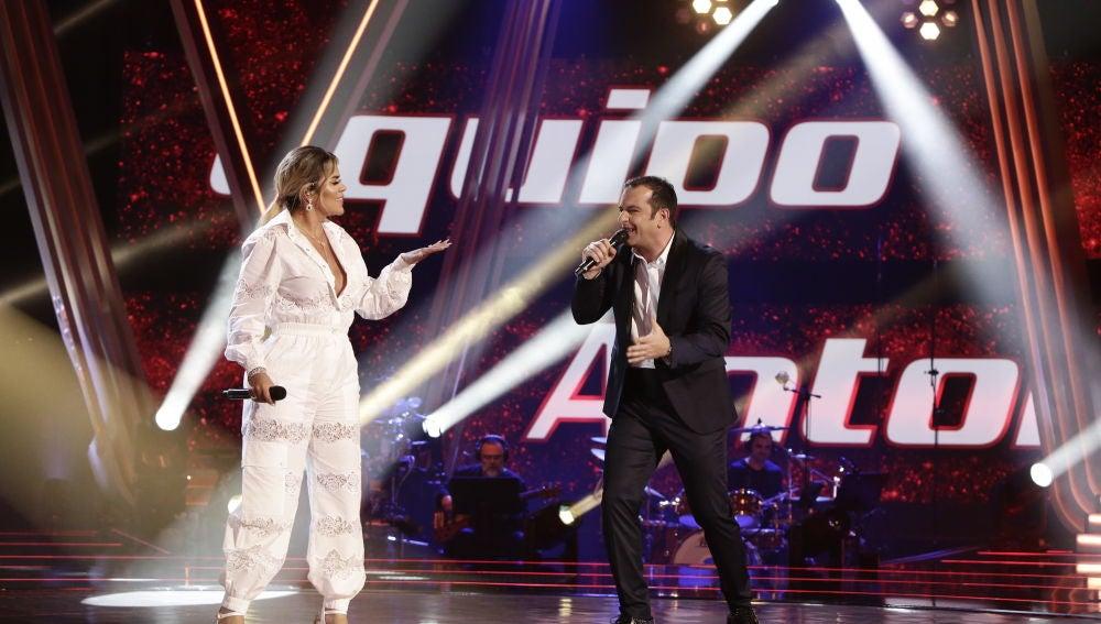 Karol G y Javi Moya cantan 'Dicen' en la Final de 'La Voz'