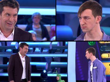 Duelo de miradas terroríficas entre Arturo Valls y Martín en '¡Ahora caigo!'