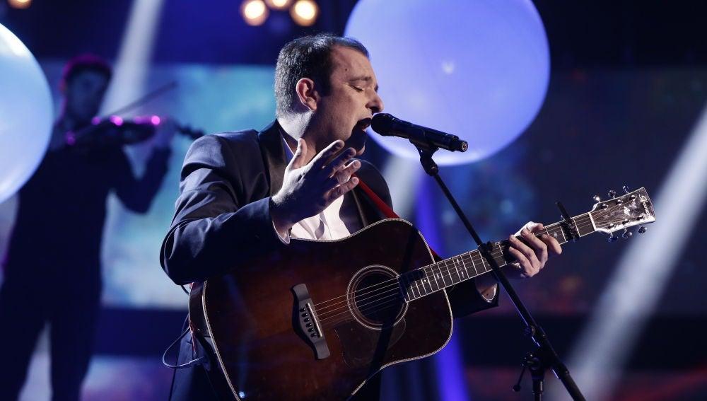 Javi Moya canta 'El sitio de mi recreo' en la Final de 'La Voz'