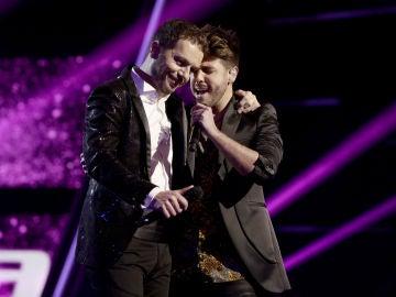 Antonio José y Ángel Cortés cantan 'A dónde vas' en la Final de 'La Voz'