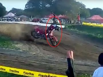 Brutal accidente de motocross