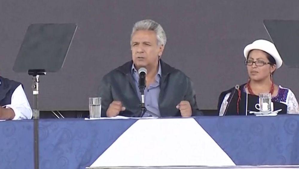 """El presidente de Ecuador acusa a Assange de ensuciar la embajada con sus """"heces"""""""