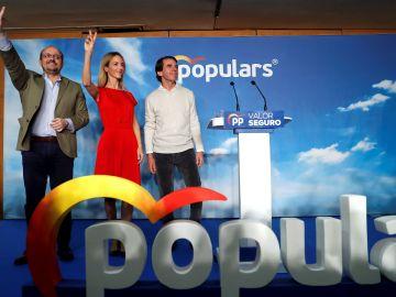 """Aznar tacha a Sánchez de candidato """"secesionista"""" y pide voto útil para el PP"""