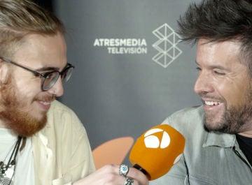 Andrés Martín, ganador de 'La Voz', y su coach, Pablo López