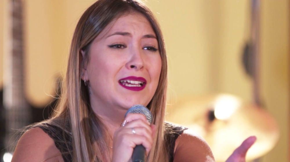 El vibrante casting piano de María Espinosa cantando 'Ya lo sabes' de Antonio Orozco
