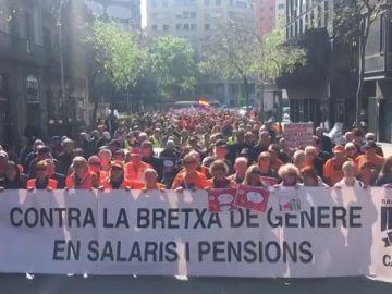 Los pensionistas salen a la calle en una nueva manifestación en Barcelona
