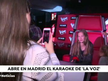 Abre en Madrid el primer Karaoke oficial de 'La Voz'