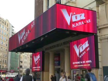 Tú también puedes ser protagonista de 'La Voz' gracias al karaoke que abre sus puertas en Madrid