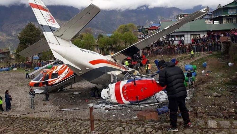 Al menos tres personas murieron y otras tres resultaron heridas al estrellarse un avión