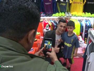 El doble de Cristiano Ronaldo: un iraquí que imita en absolutamente en todo al portugués