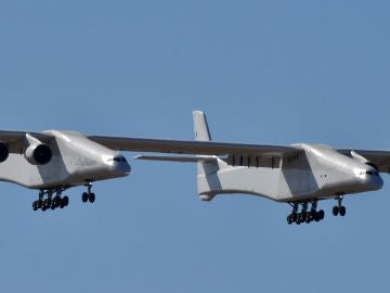 Stratolaunch, el avión más grande del mundo