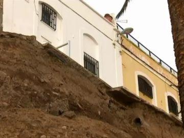 Continúan los trabajos para asegurar muro del Paseo de Chill