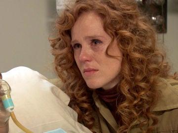 Ana deja entender a Carolina que Gabriel es el culpable del grave estado de salud de Carlos