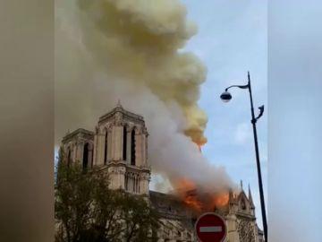 Sorpresa y estupor entre los políticos por el incendio de la catedral de Notre Dame