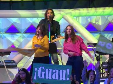 Los concursantes se marcan un baile con la banda de 'La ruleta de la suerte'