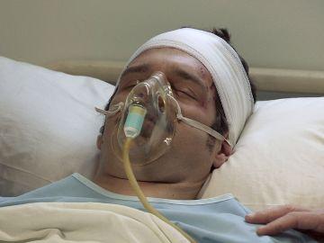 Carlos despierta del coma ante Gabriel