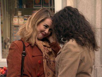 """Luisita, a Amelia: """"¿Me vas a seguir queriendo cuando tus admiradores te llenen el camerino de flores?"""""""