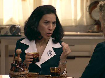"""Manolita, a Silvia: """"Si tan coladita estás por Quintero, ¿qué haces tonteando con Domingo?"""