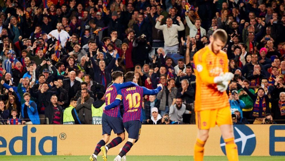 Messi y Coutinho celebran un gol ante De Gea