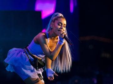 Ariana Grande durante su actuación en Coachella 2018