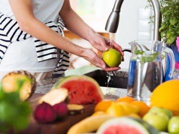 Lavando fruta
