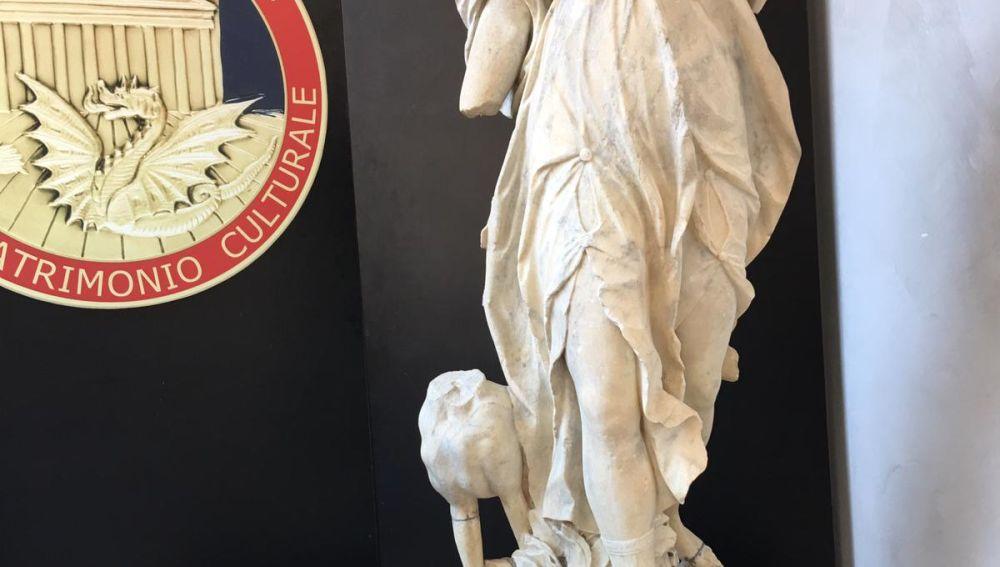 Recuperadas en Madrid y Barcelona tres esculturas robadas en parques de Roma