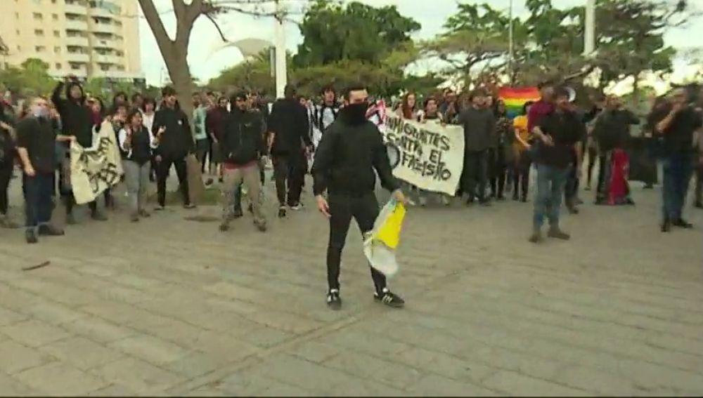 Un grupo de antisfascistas trata de boicotear un acto de Vox en Tenerife