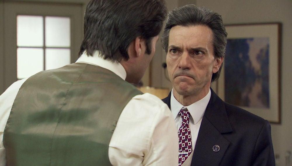 """Gabriel amenaza a Domingo: """"O mantienes el pico cerrado o vuelvo a encerrar a tu hija"""""""